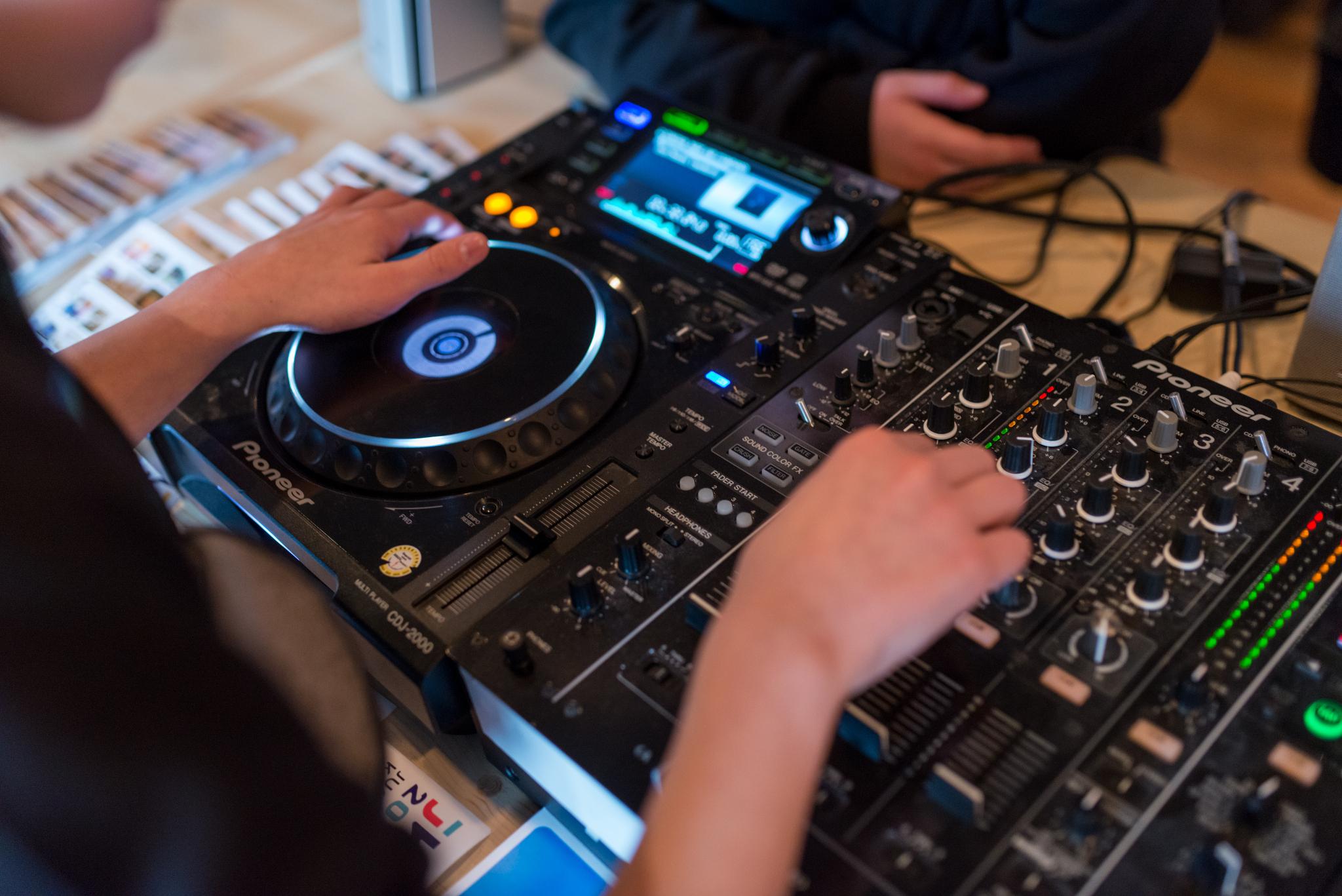 jugendkulturjahr-2020-ratingen-jkj2020-YouthDay-ManegeLintorf-DJWorkshop